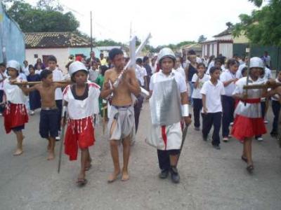 La Escuela  José Herrera realizó viacrucis viviente